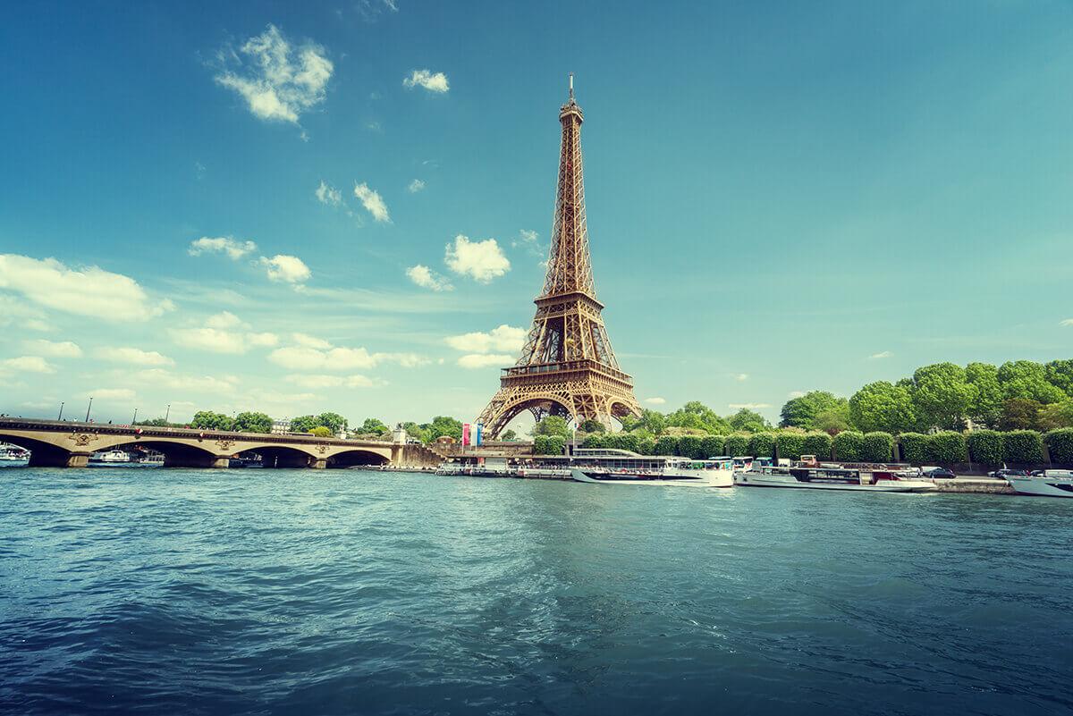Paris Eiffel tower river